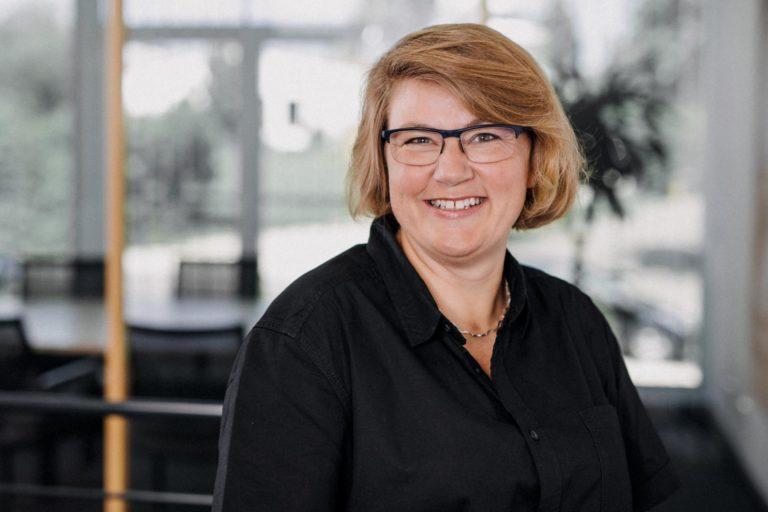 Anja Stühlke, Planung und Bauleitung – 07733-505-8722 – a.stuehlke@kerschbaumer.de